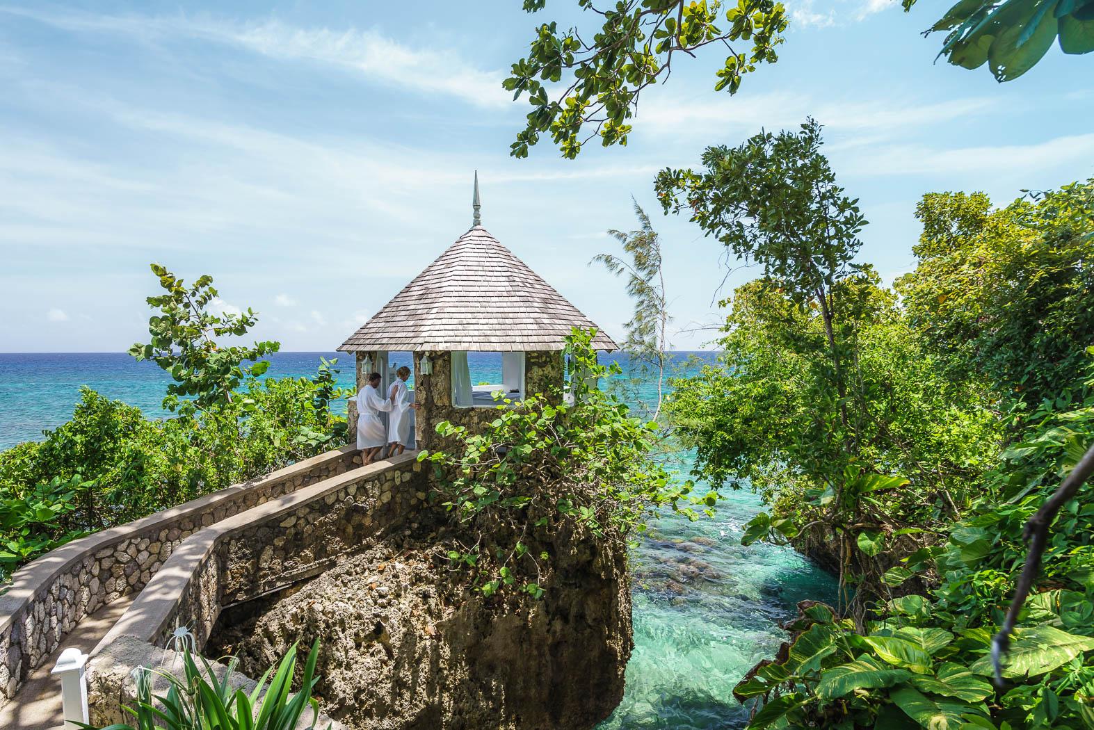 Couples Resort - Sans Souci, Jamaica | Blind Travels